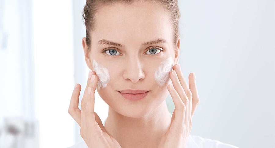 مرطوب کردن پوست